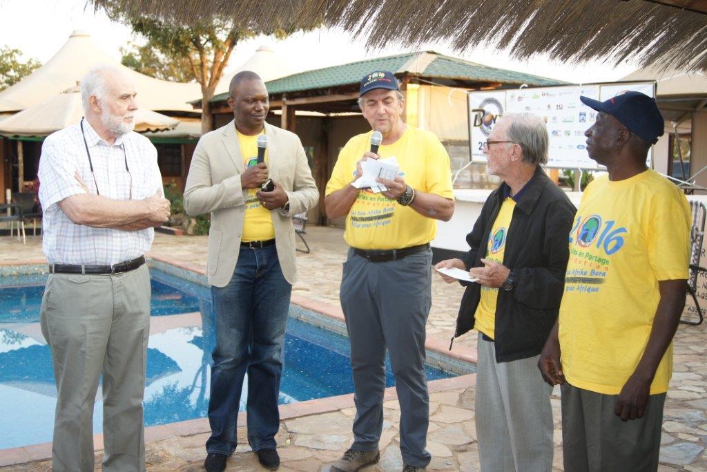 Remise de don à l'Oeuvre du Père Damien au Quartier Cinq ans, Kolwezi
